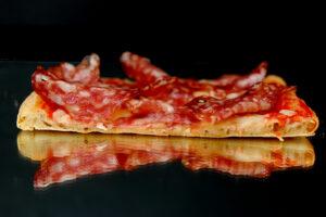 margherita-con-salame-napoli