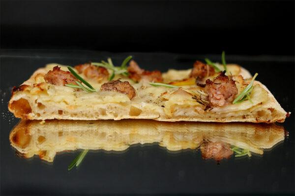 pizza-papate-salsiccia
